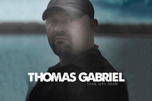 "Thomas Gabriels debutalbum ""Long Way Home"" får högsta betyg. (Foto: CD Cover)"